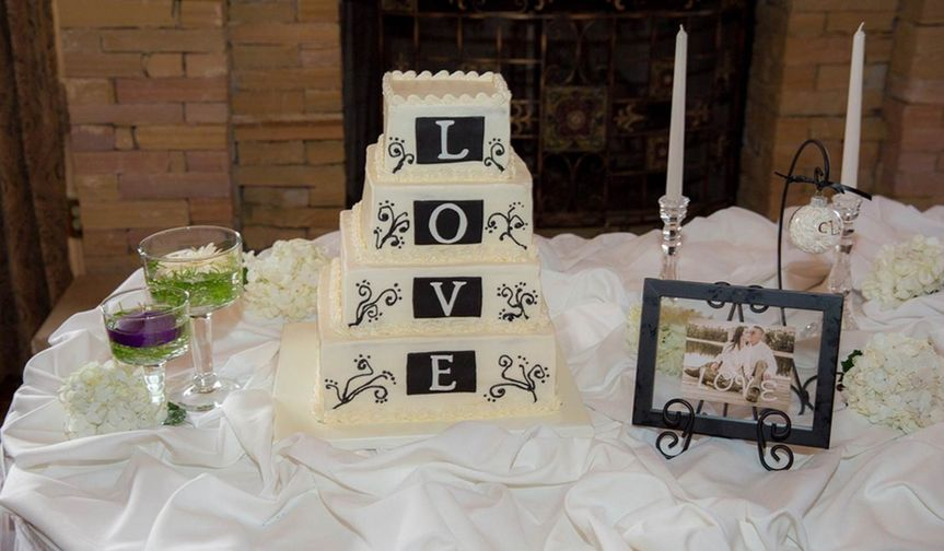 charlene and josh cake tabl