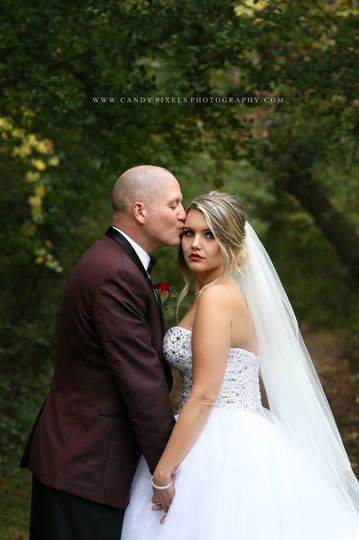 Kisses from the groom