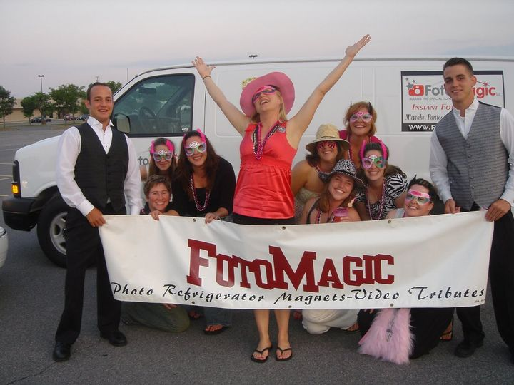 FOTOMAGIC INSTANT FOTO MAGNETS & ENTERTAINMENT