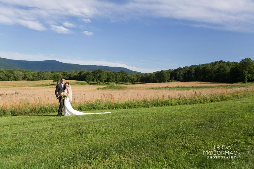 The mountains make a beautiful backdrop for your wedding photos