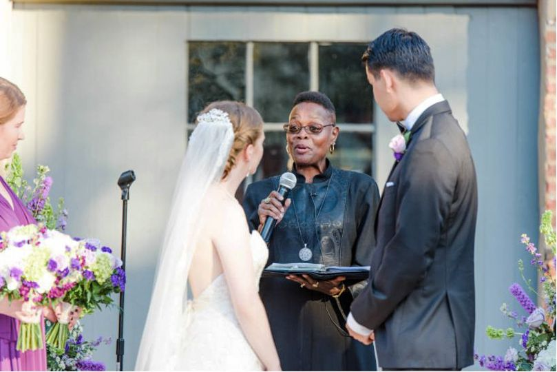 Dc officiant photo by ?