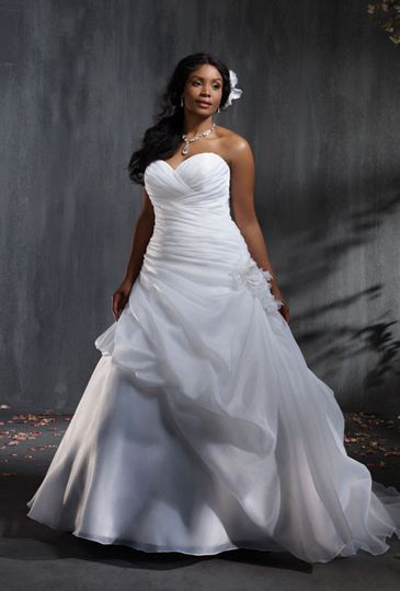 plus size wedding dresses alfred angelo 2353wfs12