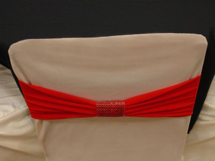 Tmx 1405207167815 Red Band On Ivory Standard Cover With Red Bracelet Mankato wedding rental