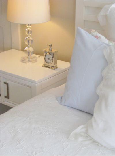 belvedere charleston guest bedroom bed