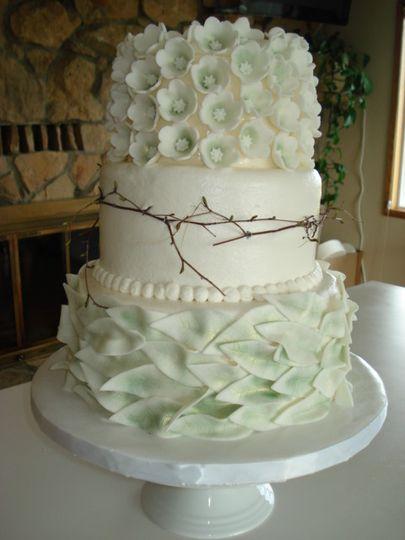 Kerri S Cakes Wedding Cake Tieton Wa Weddingwire
