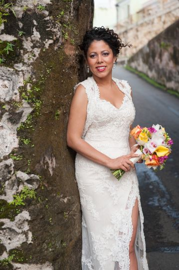 Evette with bouquet