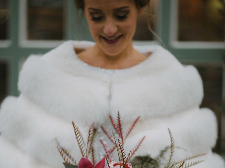Tmx 1516134578 F60779ec8fc19be7 1516134575 3f8359937c5c1aa2 1516134569384 3 JR DestinationElop Milwaukee, WI wedding florist