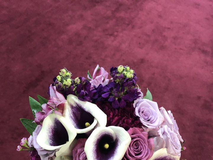 Tmx 1516135984 A6f96d9d24f71fb6 1516135980 03aaabc9b0b554b6 1516135967290 5 Ultraviolet Milwaukee, WI wedding florist