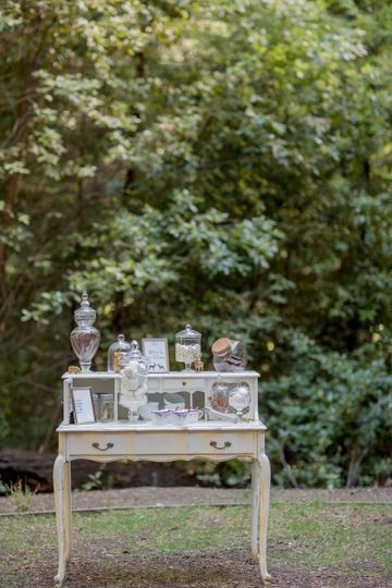 stones and flowers styled shoot 13
