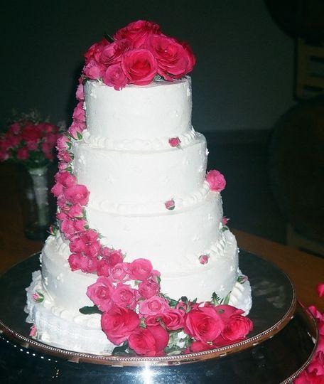 tier round pink cascade