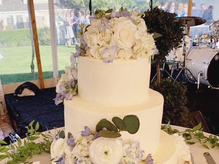 Tmx Ea5ae82b 25e0 4501 802b A9ea3f14219e 51 1045071 1561126017 Nantucket, MA wedding cake