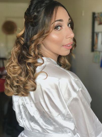 Elegant makeup on bride