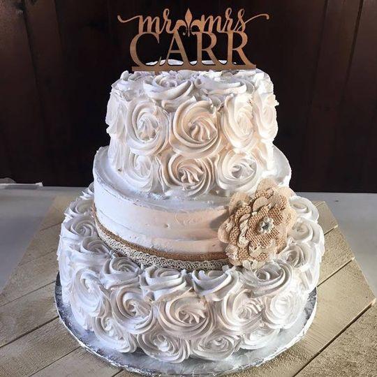 White rose textured cake