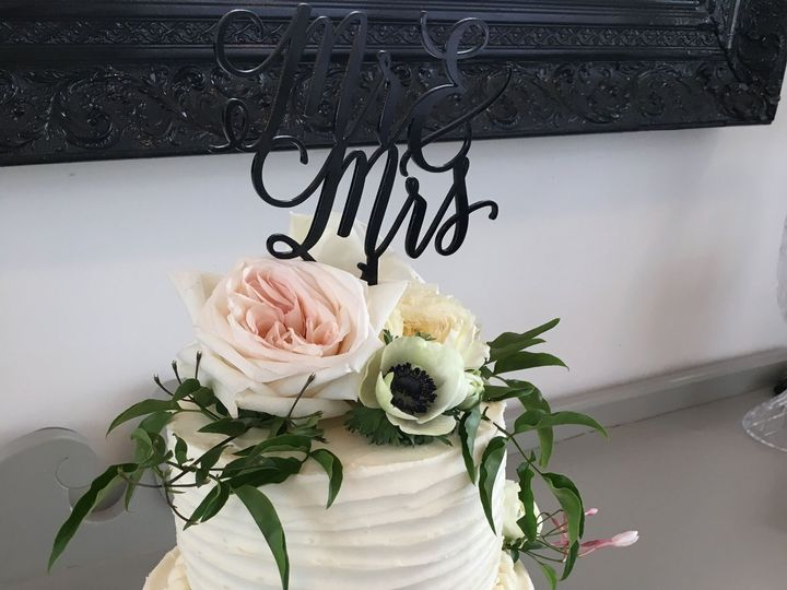 Tmx 1518562876 2253facef6d1f91d 1518562872 350d71a1c1f510f4 1518562856338 3 IMG 3916 Denver wedding cake