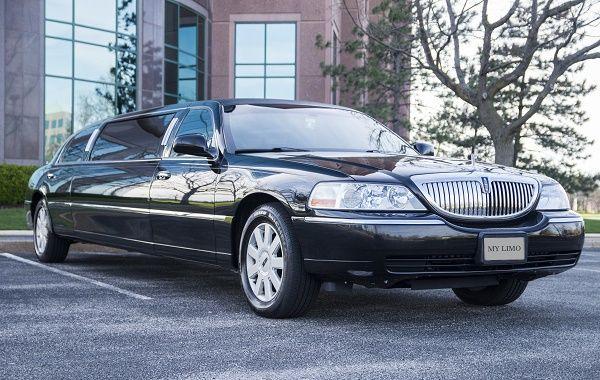 Tmx 8 Passenger Lincoln Black 2 51 712171 Saint Louis, MO wedding transportation