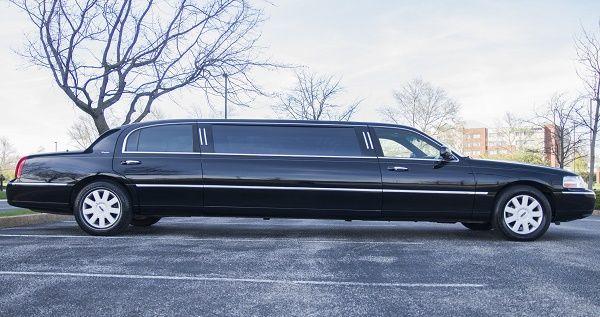 Tmx 8 Passenger Lincoln Black 3 51 712171 Saint Louis, MO wedding transportation