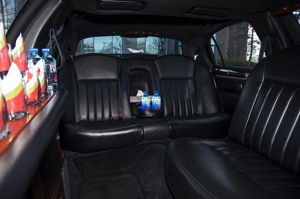 Tmx 8 Passenger Lincoln Black 4 51 712171 Saint Louis, MO wedding transportation
