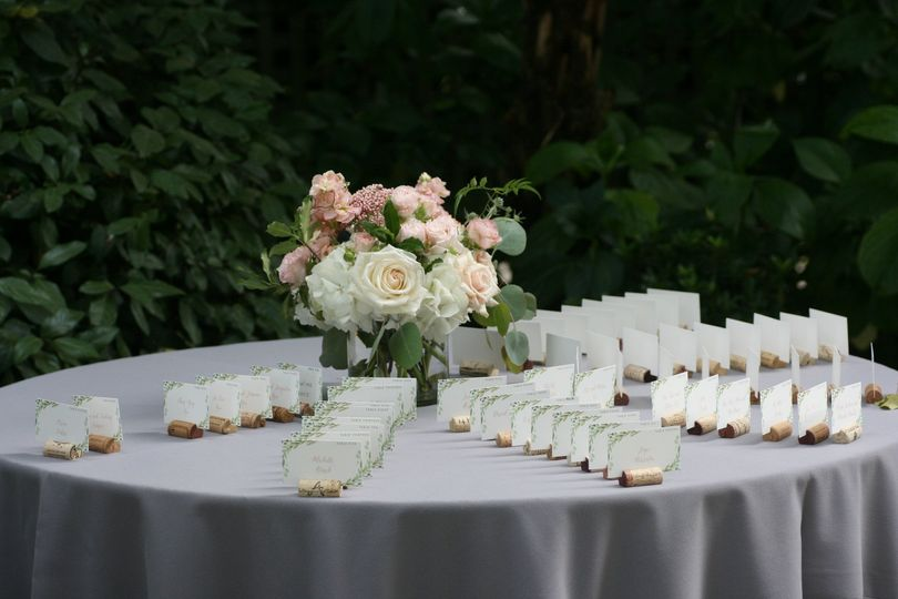 Welcome table flowers