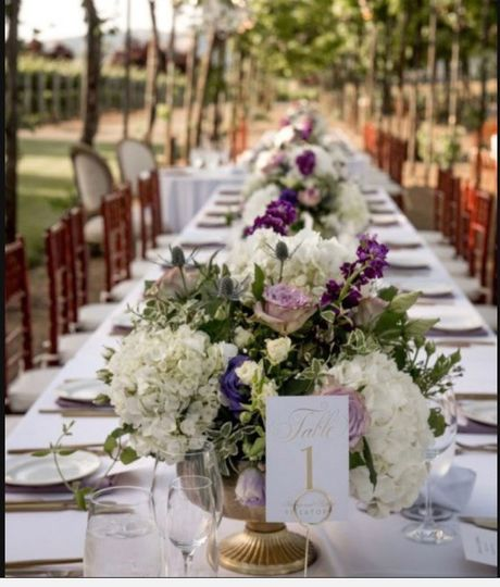 Guest table flowers
