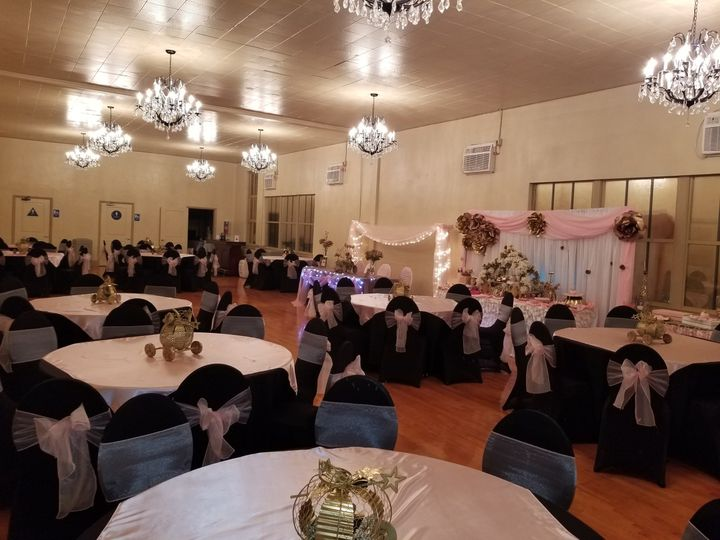 Paradise Hall 100 guest