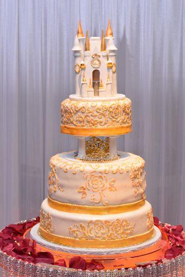 Castle cake table