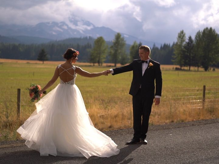 Tmx Selects 01 07 47 08 Still050 51 1047171 Hood River, OR wedding videography