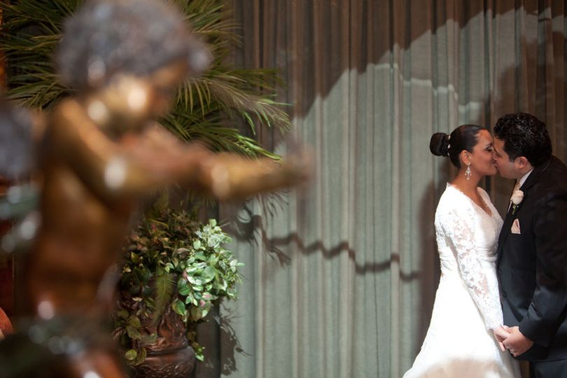 953a3b65a8729224 1529289924 25157759fdefc158 1529289923802 18 New York Wedding