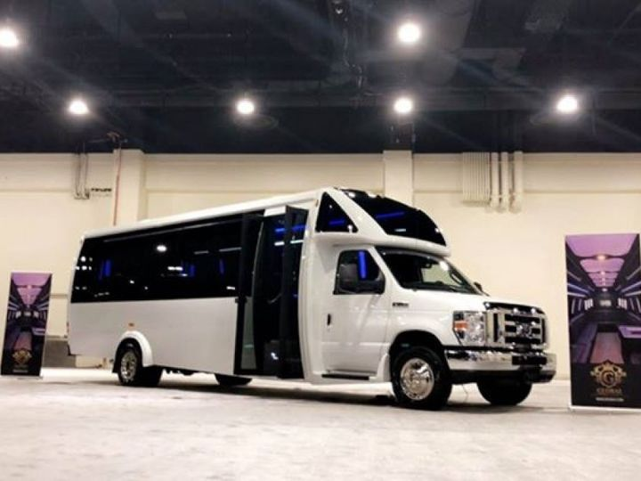 Tmx 2 51 1070271 1559759933 Staten Island, NY wedding transportation