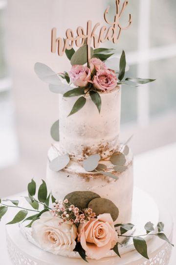 2-tier wedding cake | Perry Bason Photography