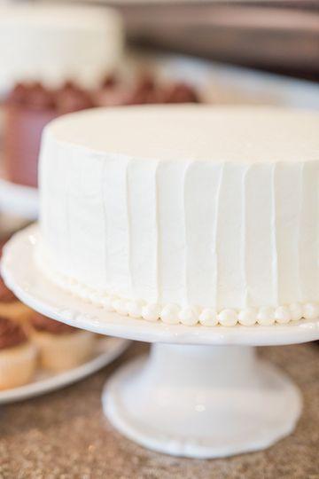 Single tier cake | Photo credit LindsayFauver