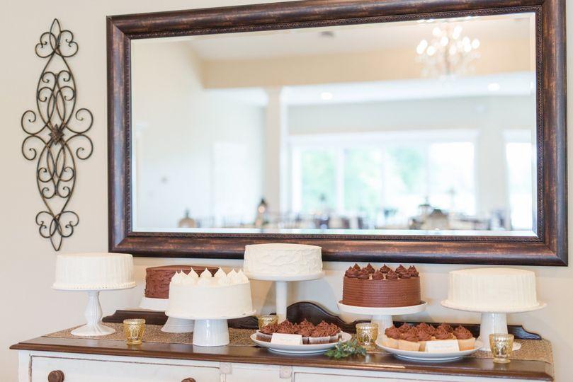 Wedding cakes on display | Lindsay Fauver Photography