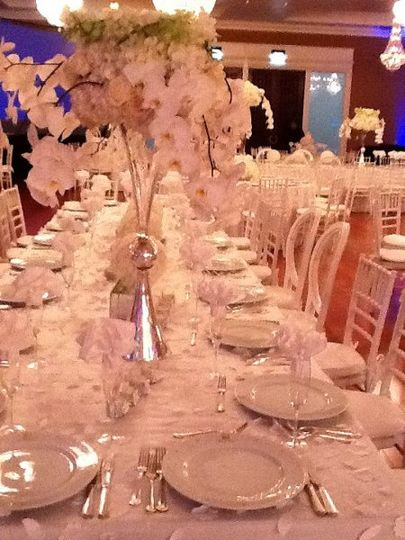 this was a wedding inspired by all white floral organsa