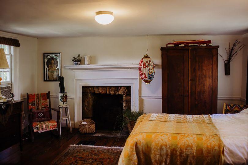Farmhouse Airbnb- Peony Room