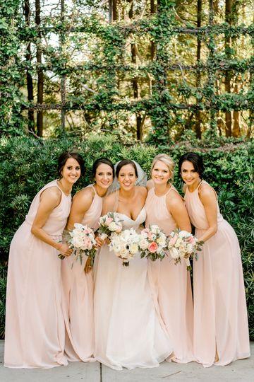 Bride and bridesmaids - Linda Threadgill Photography