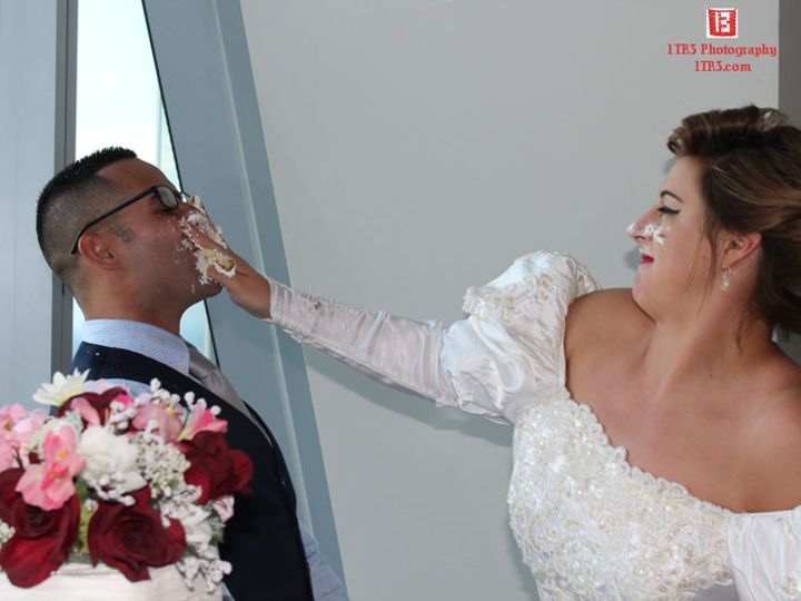 Tmx 1tr3photographycakeface 51 1027271 V2 Fort Worth, TX wedding dj