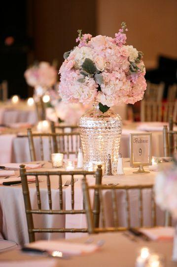 Flower table centerpiece