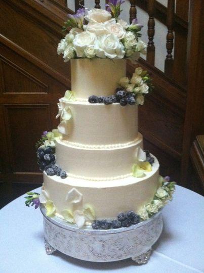 Kathys Cakery Ltd Wedding Cake Richfield Oh Weddingwire