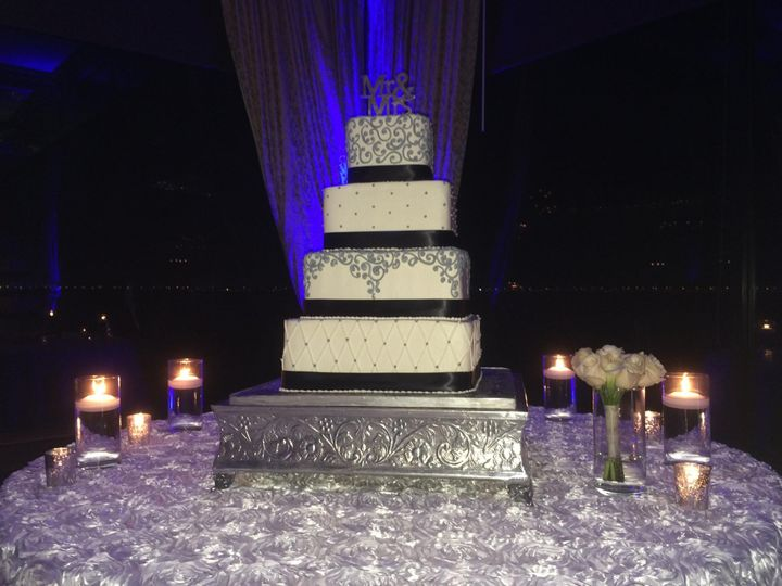Tmx 1476798217317 Mr Mrs Blk White Tampa, FL wedding cake