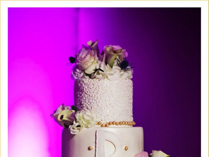 Tmx 1516037197 9b889cb05f1ddd4a 1516037194 F3185e5d3fe882e3 1516037187553 8 Featured 0051 Tampa, FL wedding cake