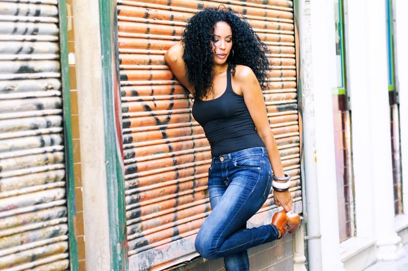 young black woman in urban bac 6 51 1951371 162189127028502