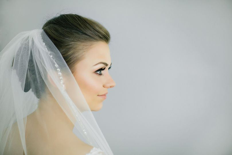 Side profile of the bride