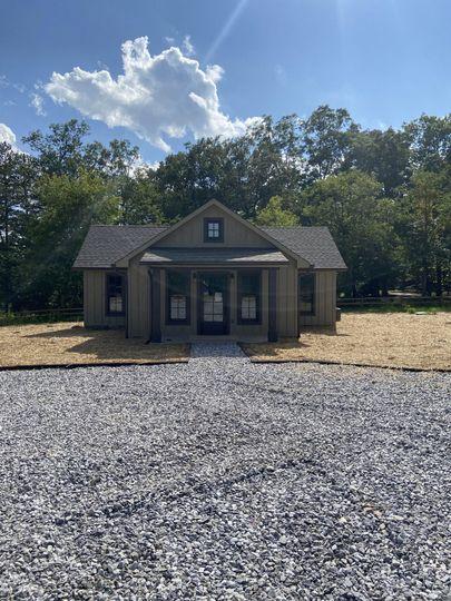 Groom Cabin Exterior