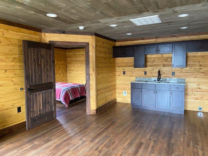Groom Cabin Inside