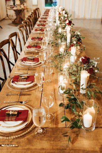 Holiday wedding table.