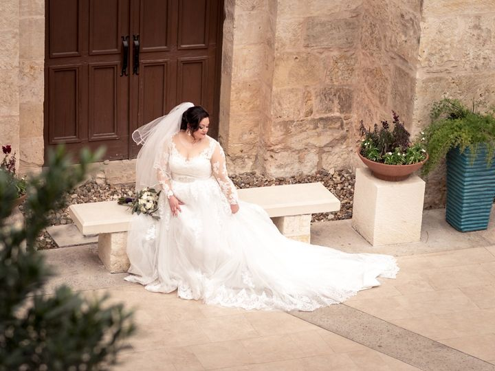 Classically Styled Bridals