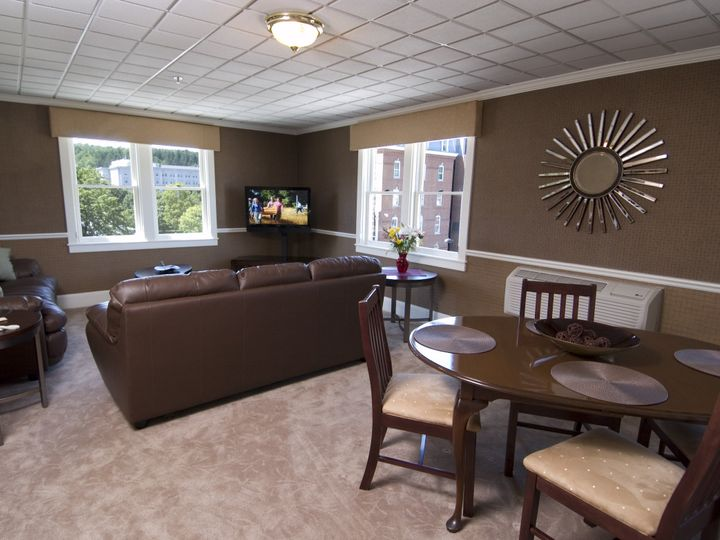 Tmx 1440528151382 Room 438 Living Room 1 1 Montpelier, VT wedding venue