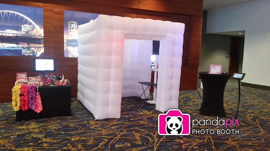 panda pix led party cube des moines convention center 51 698371