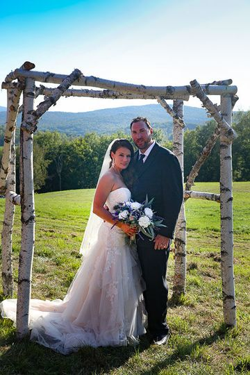 Couple under arch