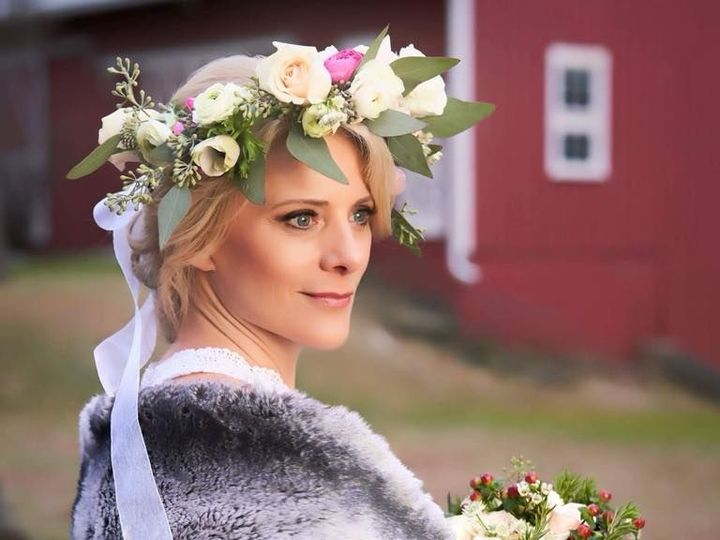 Tmx 1517423877 Ad2eb23035018a93 1517423875 46007236130ab372 1517423875531 4 Arnold S 4 Dryden, New York wedding florist