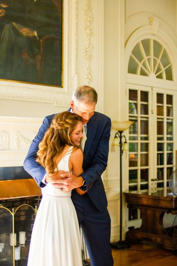 Pre-ceremony moments with Dad